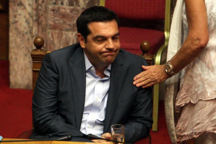 Grecia, l'Eurogruppo approva il terzo salvataggio