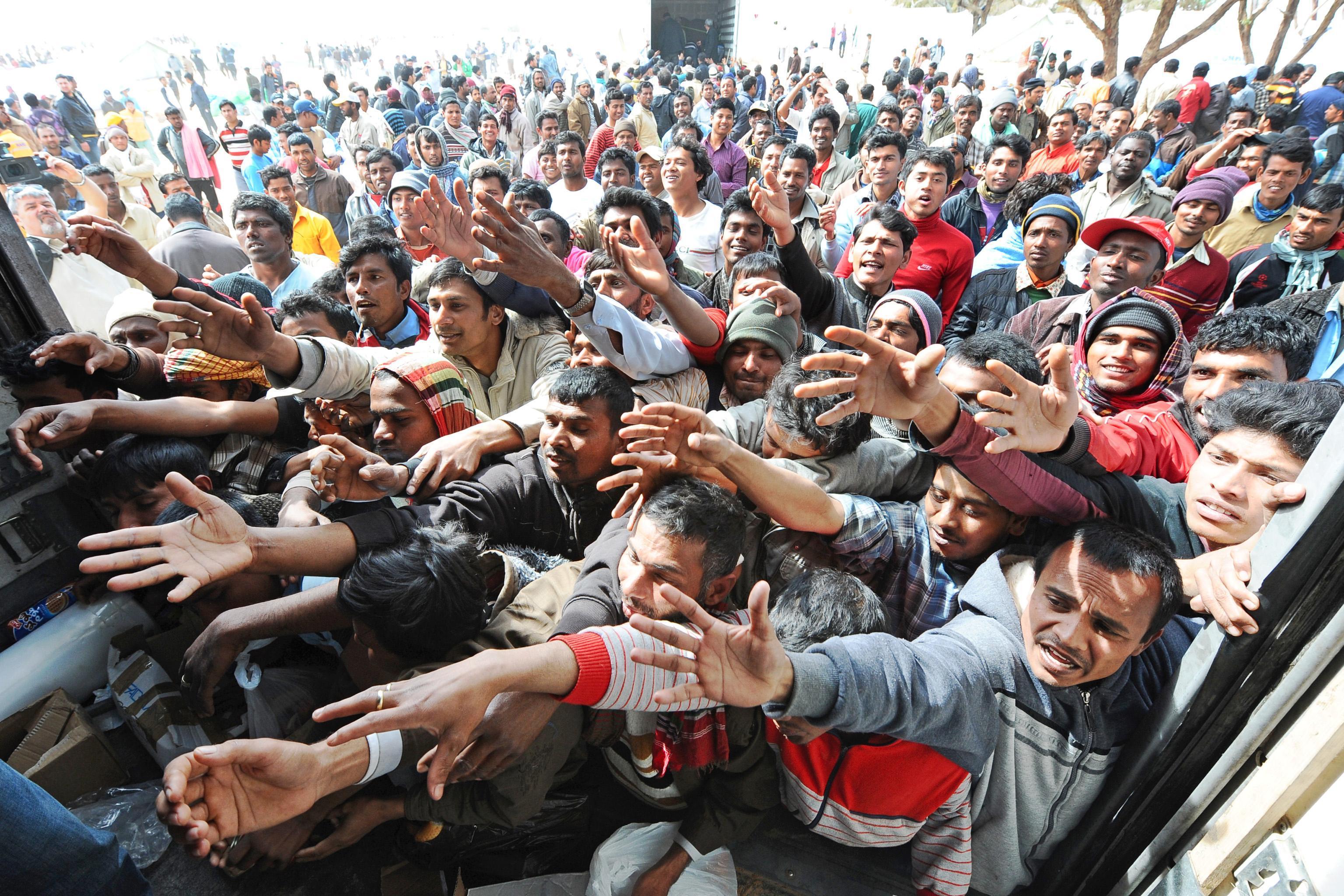 Migranti: chi e come ci guadagna