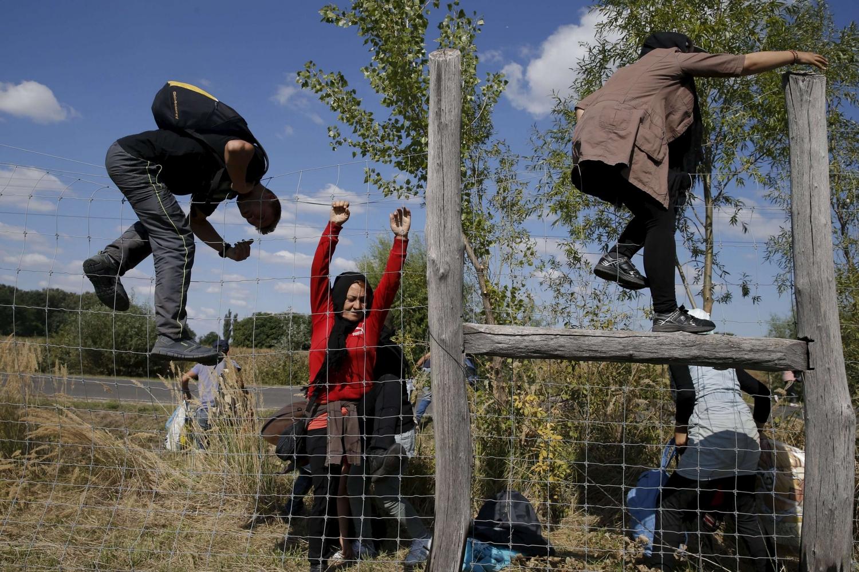 Emergenza migranti, Danimarca riapre i collegamenti ferroviari. Per Juncker è «una questione di umanità»