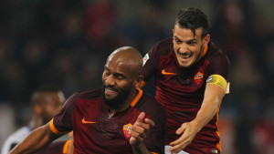 ROME, ITALY - OCTOBER 28:  Maicon (L) with Alessandro Florenzi of AS Roma celebrates after scoring the team's second goal during the Serie A match between AS Roma and Udinese Calcio at Stadio Olimpico on October 28, 2015 in Rome, Italy.  (Photo by Paolo Bruno/Getty Images)