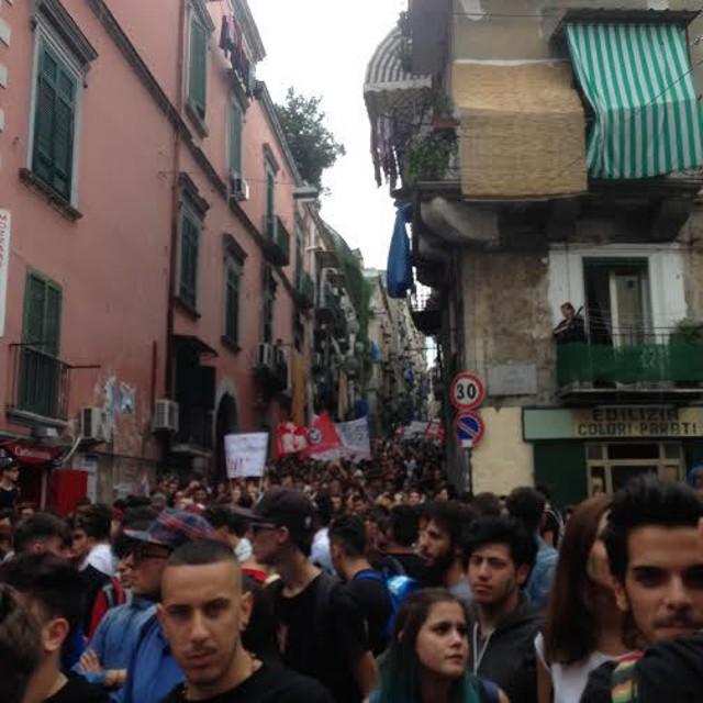 Napoli, studenti in piazza contro la riforma scuola e la Camorra