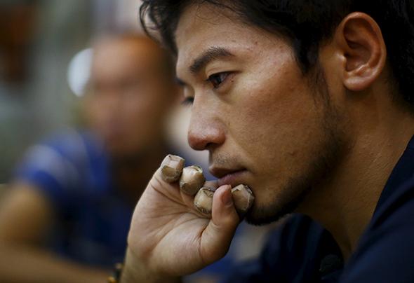 Scalare l'Everest con un dito: l'incredibile impresa di Kuriki.