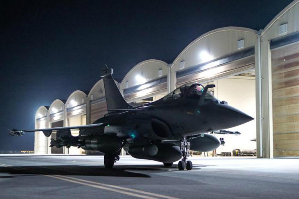 Reazione lampo della Francia: distrutti centri Isis