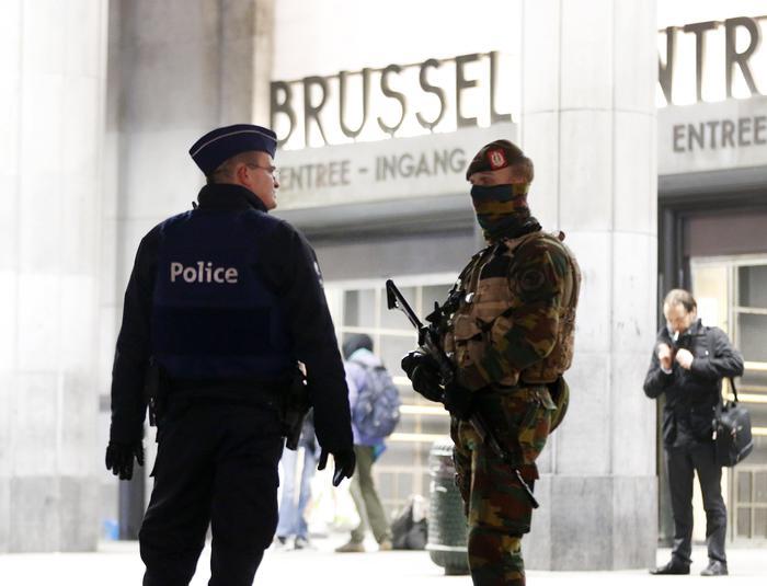Bruxelles ancora un blitz: si cercano Salah e Abrini