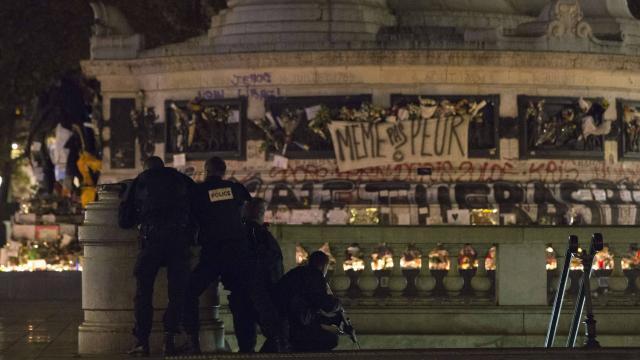 Parigi: falso allarme crea il panico