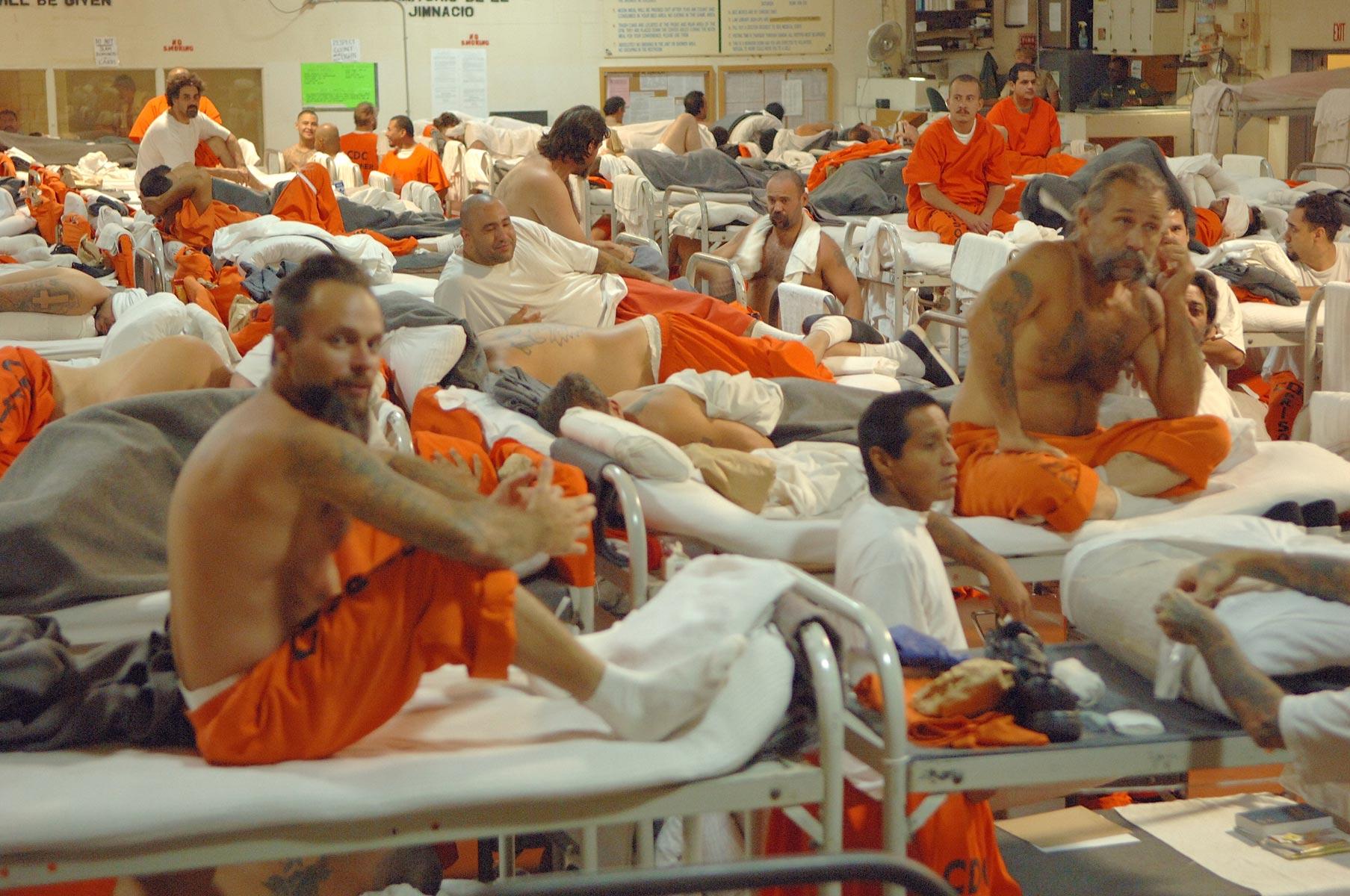 USA: prigioni affollate, lo zio Sam svuota le carceri