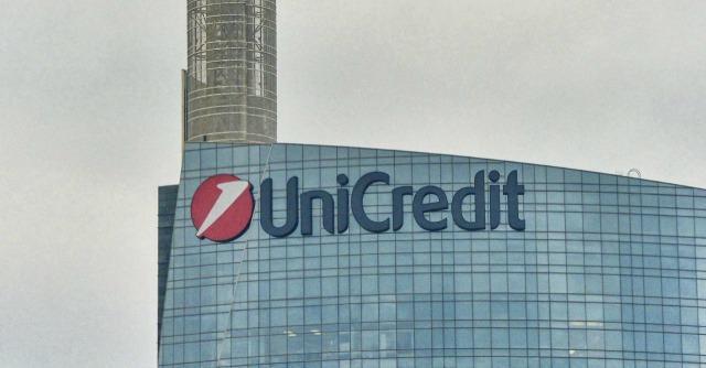 Unicredit: 18.200 esuberi entro il 2018. Chiudono 800 filiali