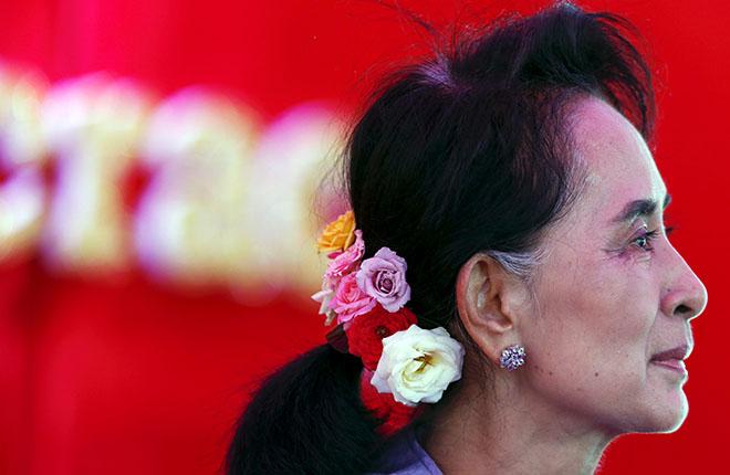 Birmania: Aung San Suu Kyi favorita per le elezioni che si preannunciano storiche
