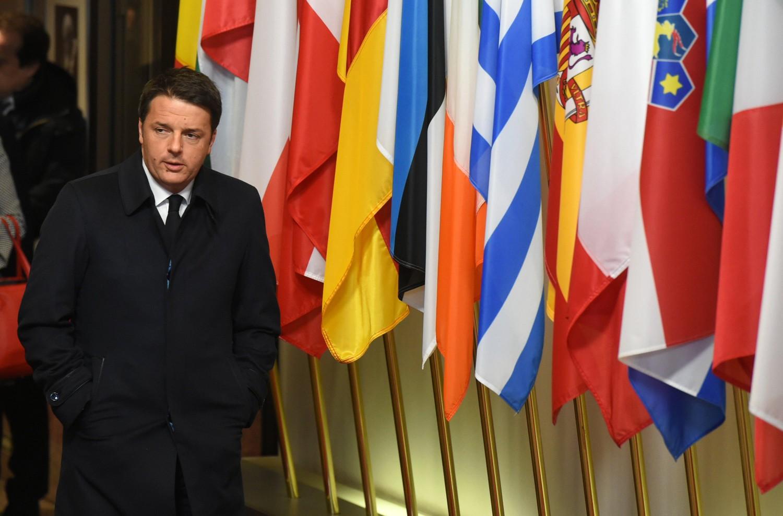 """Renzi sui migranti: """"O tutti solidali o niente fondi"""""""