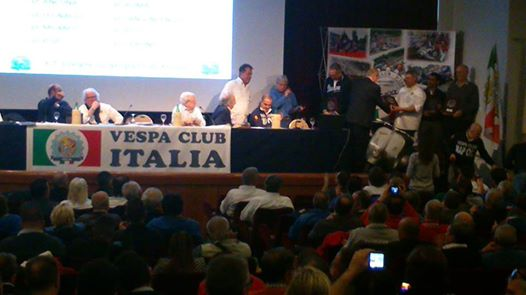 Vespa ancora si può… Oltre 500 persone al Convegno Nazionale sul lungomare