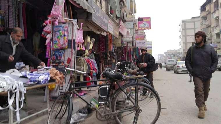 Raqqa: la routine del terrorismo ripresa di nascosto