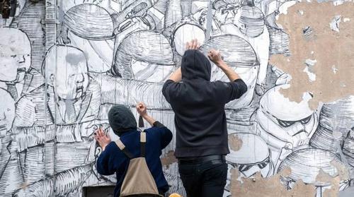 #NelgrigiodipintodiBlu: protesta contro la privatizzazione della street art