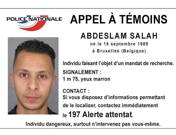 La foto segnaletica di Salah Abdeslam consegnata alle polizie di tutta Europa.