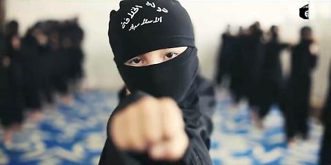 La scuola dell'Isis: niente storia e mitra nei libri di testo