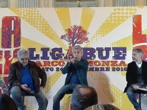 Ligabue presenta alla stampa i suoi prossimi progetti