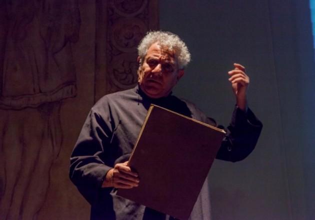 ENRICO GUARNERI È DON VELLA: In scena al Teatro Quirino IL CONSIGLIO D'EGITTO di Leonardo Sciascia
