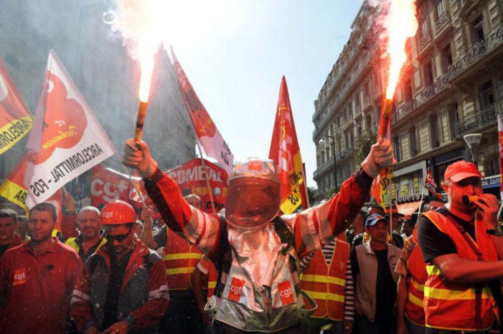 Francia, via allo sciopero illimitato contro Jobs Act