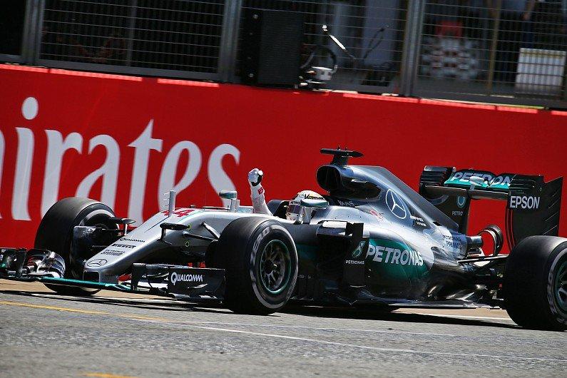 GP di Gran Bretagna: trionfo di Hamilton davanti a Rosberg, terzo Verstappen