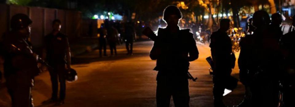 Bangladesh: 25 civili uccisi in un attentato rivendicato dall'ISIS