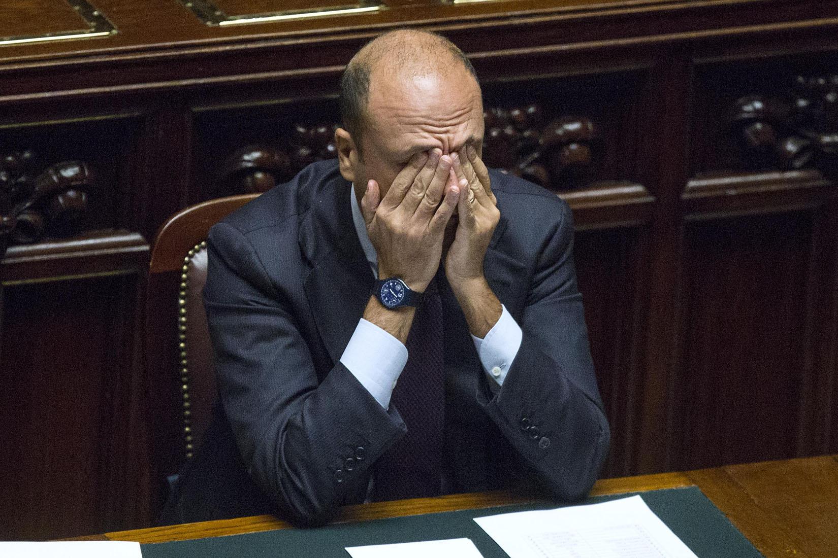 Corruzione Roma, Alfano nella bufera. Oltre al fratello del ministro, coinvolto anche il padre