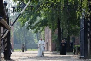 POLAND-VATICAN-DIPLOMACY-RELIGION-POPE-AUSCHWITZ