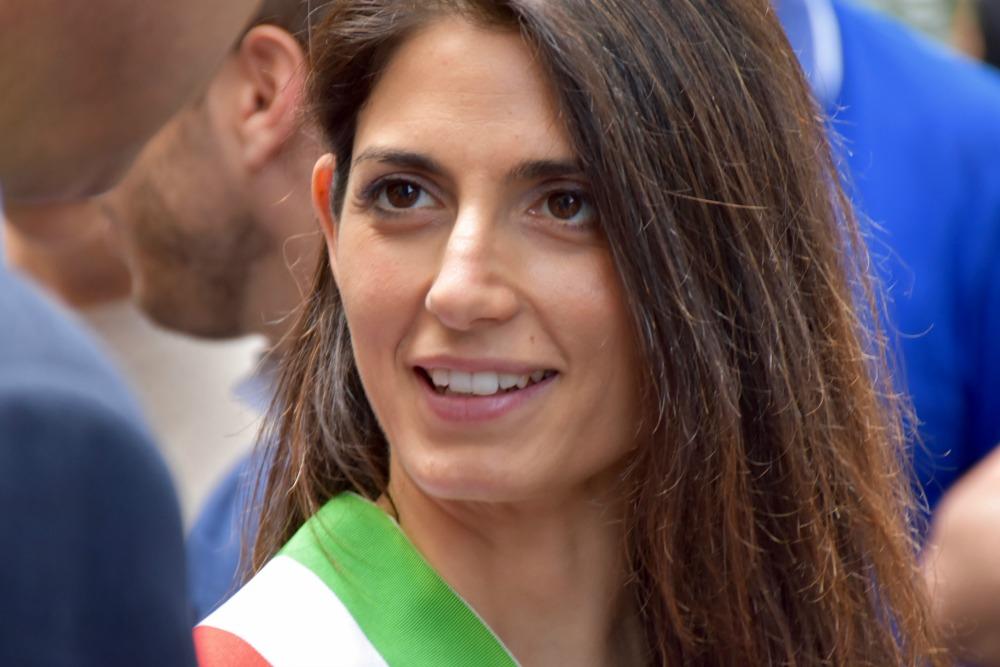 Virginia Raggi presenta la sua Roma a 5 stelle