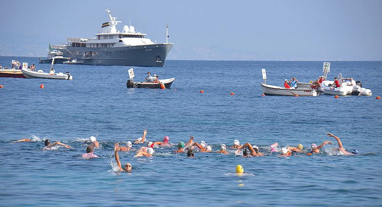 Maratona di nuoto Capri – Napoli: vincono Acev e Geijo. Buone prove per Stochino e Raimondi