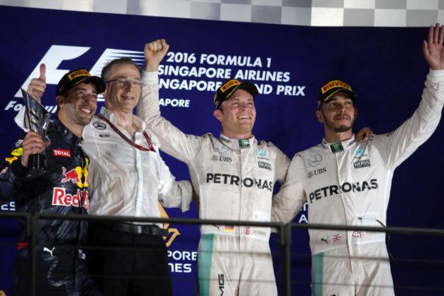 GP Singapore: Rosberg vince e va in testa al mondiale