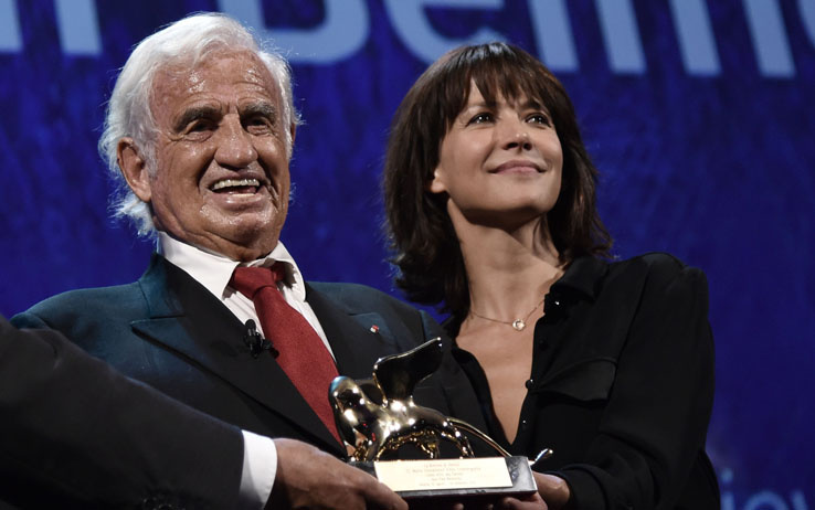 le-star-jean-paul-belmondo-premio-con-leone-doro-alla-carriera