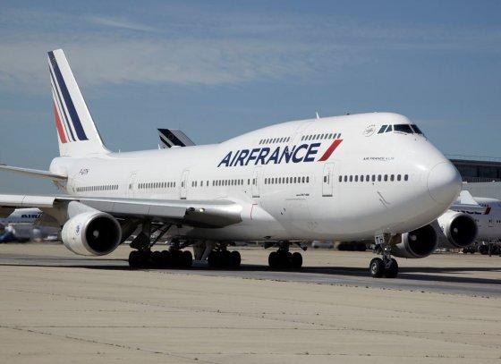Francia, aereo Air France scarica kerosene su foresta protetta