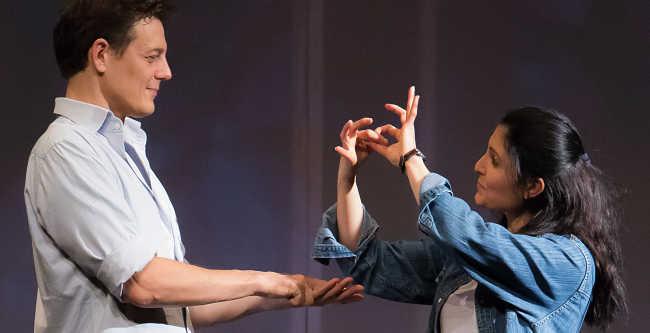 Figli di un dio minore al Teatro Franco Parenti, un'emozione da ascoltare con gli occhi