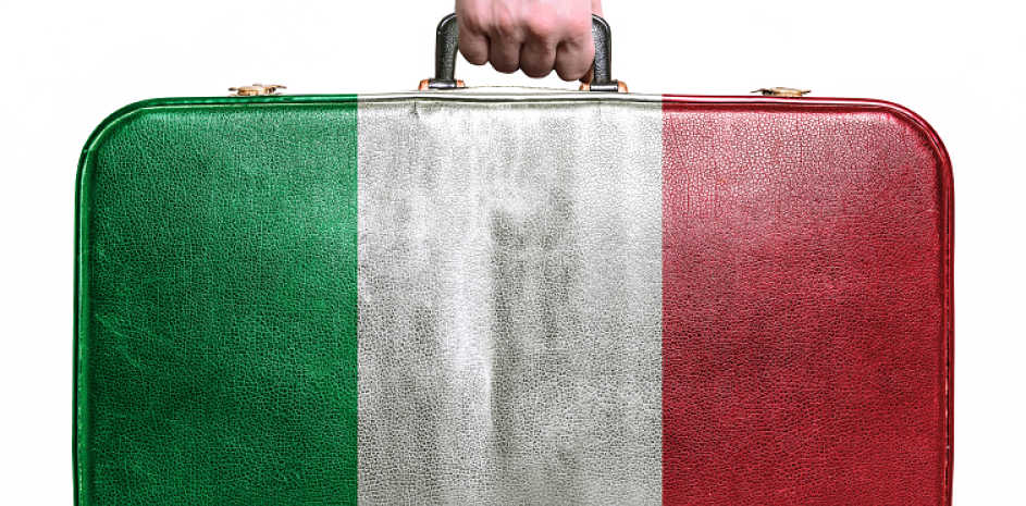 Italiani (sempre più) in fuga