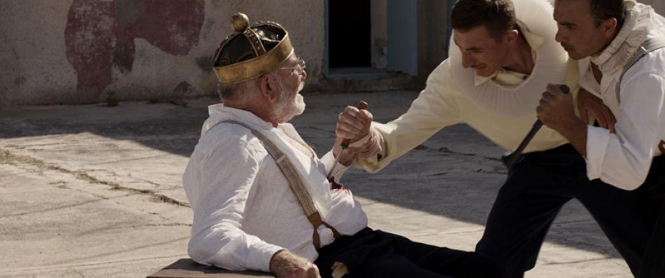 LA STOFFA DEI SOGNI   Una commedia tra De Filippo e Shakespeare