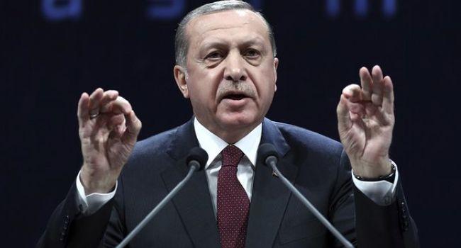 Erdogan torna a ricattare l'Ue sulla pelle di migranti