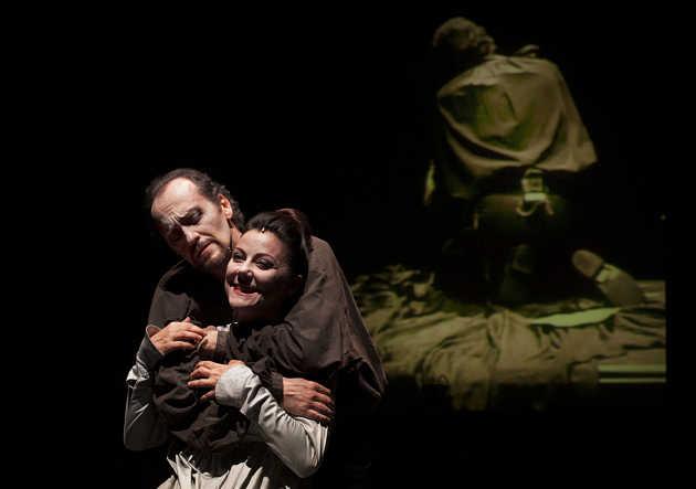 'Macbeth', un dramma in 3D in scena al Quirino