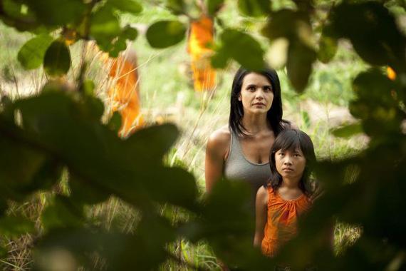 TALKING TO THE TREES | Fuga on the road nella Cambogia della prostituzione