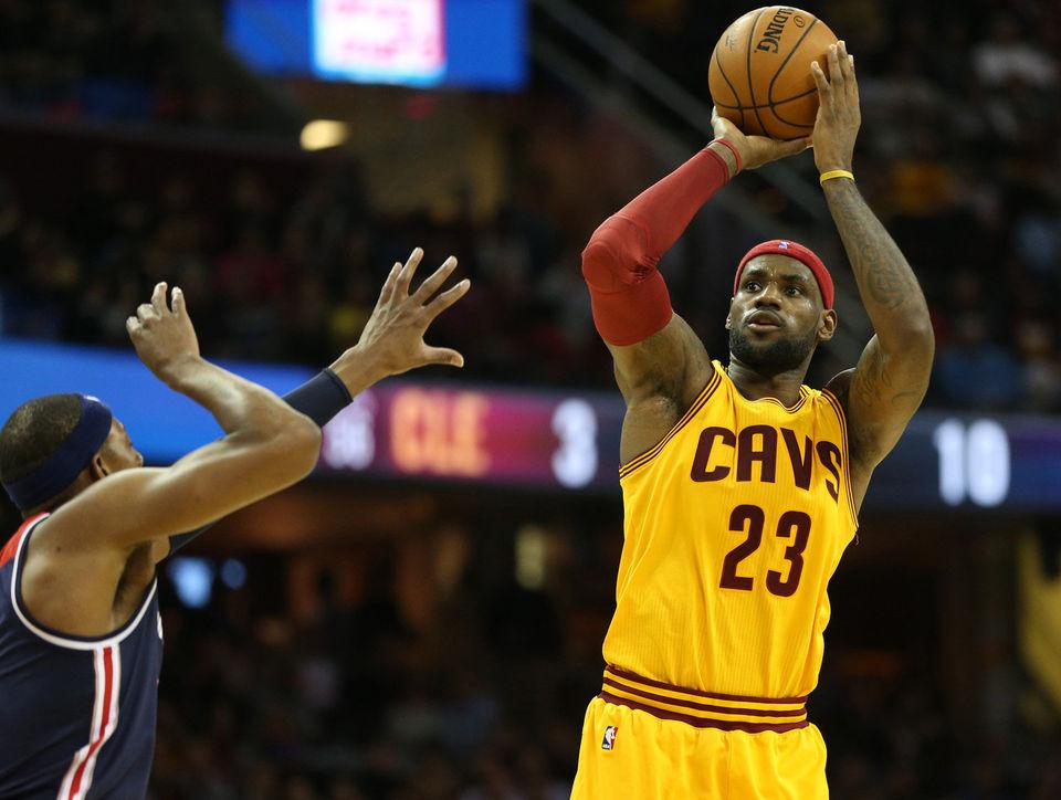 Basket NBA: LeBron James raggiunge i 27000 punti