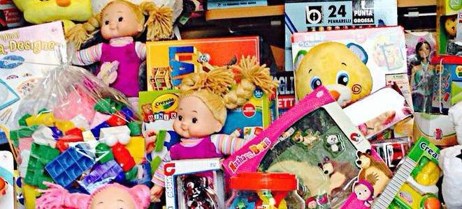 Con il giocattolo sospeso, a  Napoli un Natale solidale
