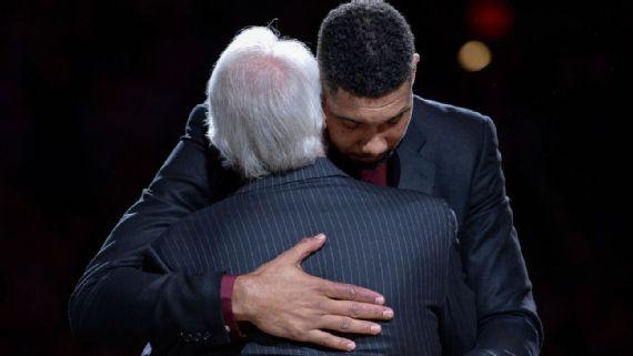 Basket NBA: Ritirata la maglia di Tim Duncan
