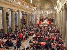Natale a Napoli: tra solidarietà e pranzo la città tende una mano ai disagiati