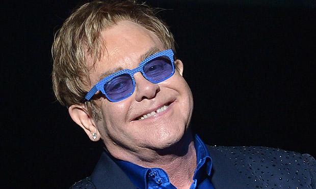 Elton John accusato di molestie da un suo bodyguard