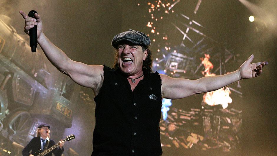 Brian Johnson degli AC/DC rischia di perdere definitivamente l'udito