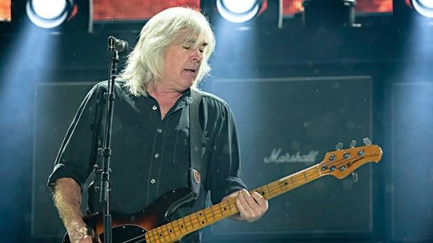 Il bassista Cliff Williams annuncia il suo addio al mondo della musica