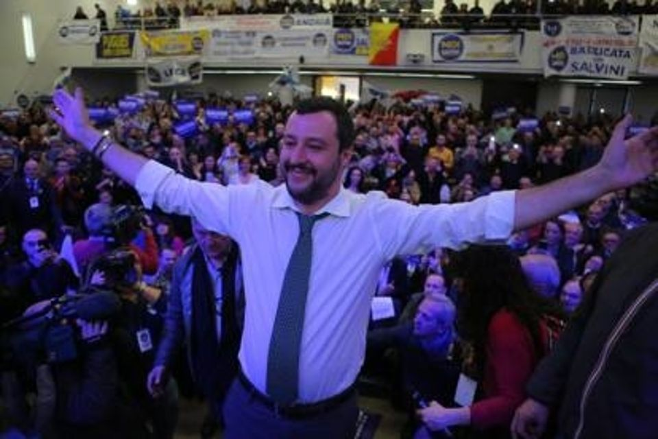 Salvini, le proteste e il nulla cosmico che favoriscono la Lega