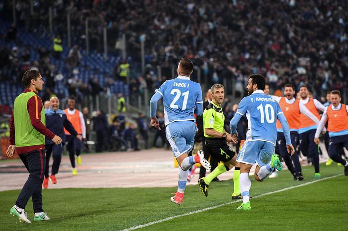 Coppa Italia: la Roma vince il derby ma in finale  va la Lazio