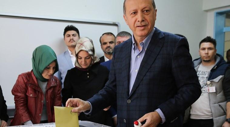 Turchia: Erdogan si proclama vincitore, l'opposizione non ci sta e contesta
