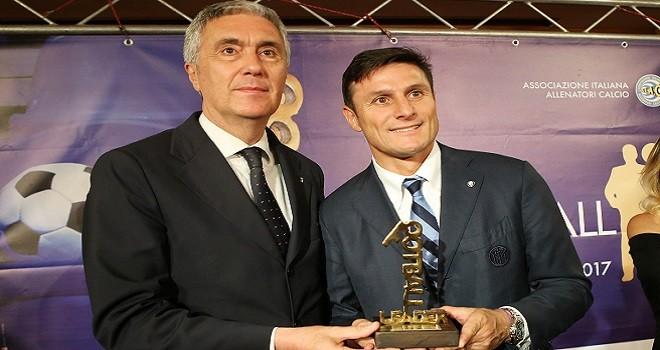 """Zanetti premiato a Napoli da """"Football Leader"""""""