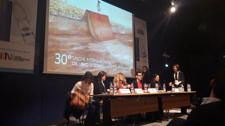 Oltre il confine: Donne che raccontano Elena Ferrante