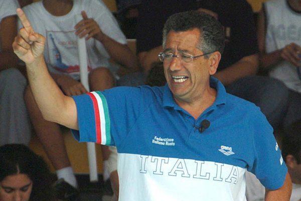 Arrivederci Paolo!  Tanta gente al Vomero per i funerali di De Crescenzo, grande personaggio della Pallanuoto italiana