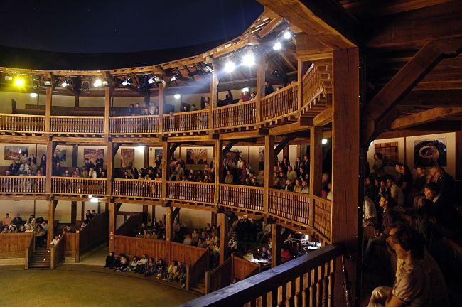 Il centro dell'invenzione teatrale: Enrico V al Globe Theatre
